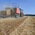Valtrac: Bale better with the new Kuhn LSB 1270 DX big pack baler
